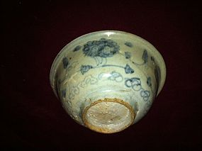 Chinese Late Yuan early Ming blue and white bowl