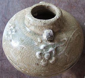 Northern Sung Yue Green Glaze Celadon Jarlet