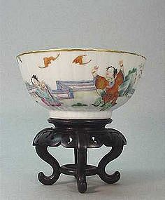 CHINESE LATE QING DYNASTY PORCELAIN RICE BOWL