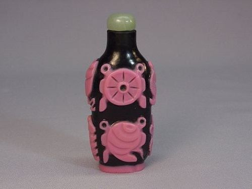 Chinese old rare overlay glass snuff bottle