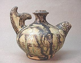 17TH CENTURY SOUTHEAST ASIAN FISH SHAPED POT