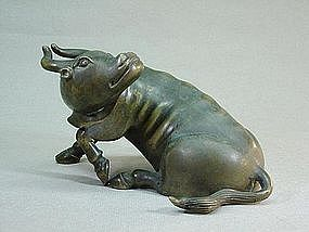 CHINESE BRONZE STATUE OF A WATER BUFFALO