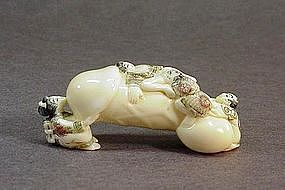 JAPANESE CARVED IVORY EROTIC NETSUKE