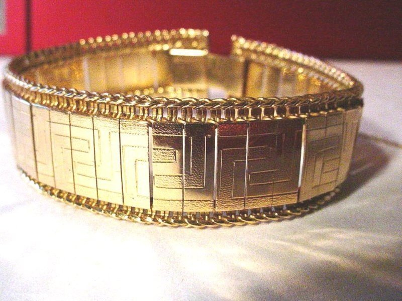 Sophisticated 18k Gold Textured Bracelet ~ 38 Grams