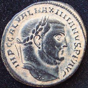 A ROMAN BRONZE FOLLIS OF GALERIUS