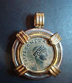 A ROMAN BRONZE FOLLIS OF CONSTANTIUS II