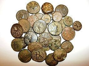 A LOT OF 33 COINS OF THE PTOLEMIES AND THE SELEUCIDS