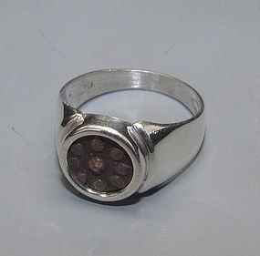 A WIDOWS MITE OF ALEXANDER JANNAEUS SET IN STERLING SILVER RING