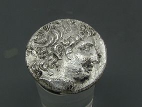 A SILVER TETRADRACHM OF ANTIOCHUS VIII EPIPHANES (GRYPUS)