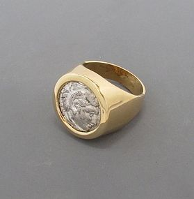 A SILVER DRACHM OF ALEXANDER THE GREAT IN 18K GOLD RING