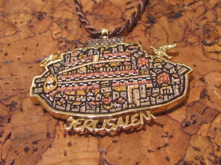 A MICRO MOSAIC OF MADABA MAP JERUSALEM IN 18K GOLD AND DIAMOND PENDANT