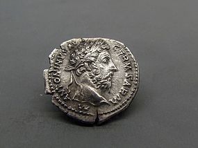 A SCARCE ROMAN DENARIUS OF MARCUS AURELIUS
