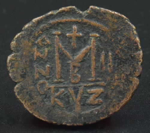 A BYZANTINE FOLLIS OF HERACLIUS