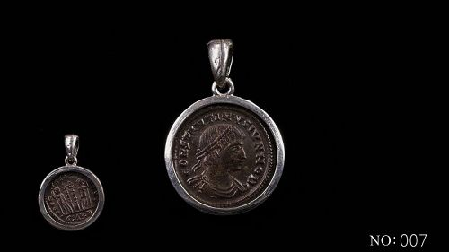 A ROMAN COIN OF CONSTANTINE THE GREAT FROM CYZICUS IN SILVER PENDANT