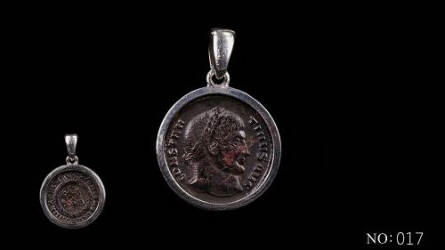 A ROMAN COIN OF CONSTANTINE I IN SILVER PENDANT FROM THESSALONICA