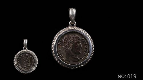 A ROMAN BRONZE COIN OF CONSTANTINE THE GREAT IN SILVER PENDANT