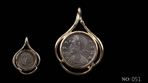 A ROMAN COMMEMORATIVE COIN OF THE FOUNDING OF ROME IN 14K GOLD PENDANT