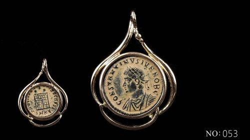 A ROMAN FOLLIS OF CONSTANTINE II IN 14K GOLD TREFOIL PENDANT
