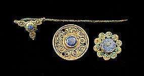 A BYZANTINE GILT BRONZE JEWELRY COLLECTION