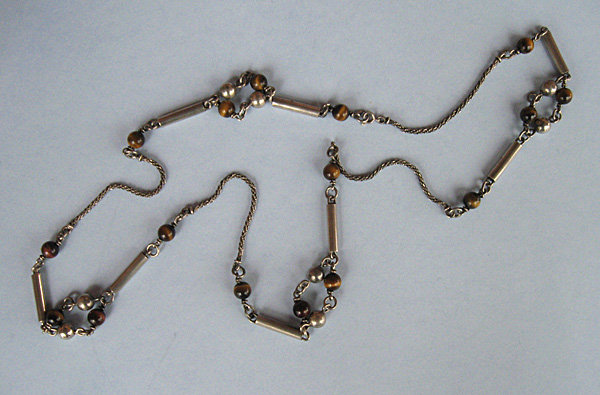 Silver and Tiger�s Eye Chain Necklace