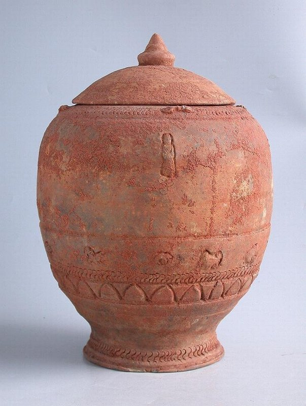Large Chinese Song / Yuan Dynasty Buddhist Zodiac Jar