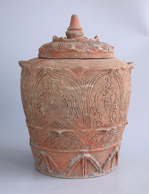 Chinese Song / Yuan Dynasty Incised Buddhist Jar