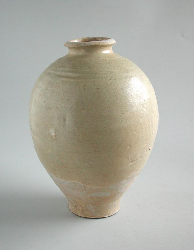 Large Chinese Tang Dynasty Glazed Stoneware Jar