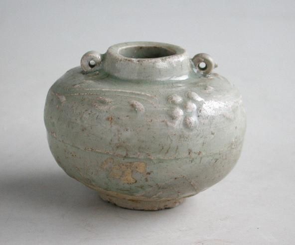 Chinese Song / Yuan Dynasty Longquan Celadon Jarlet - Floral Pattern