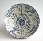 Large Chinese Ming Dynasty Blue & White Crackle-Glazed Porcelain Bowl