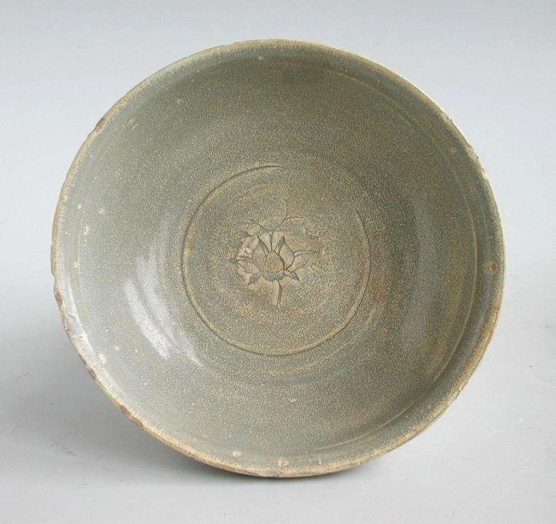 Chinese Song / Yuan Dynasty Longquan Celadon Porcelain Bowl - Flower