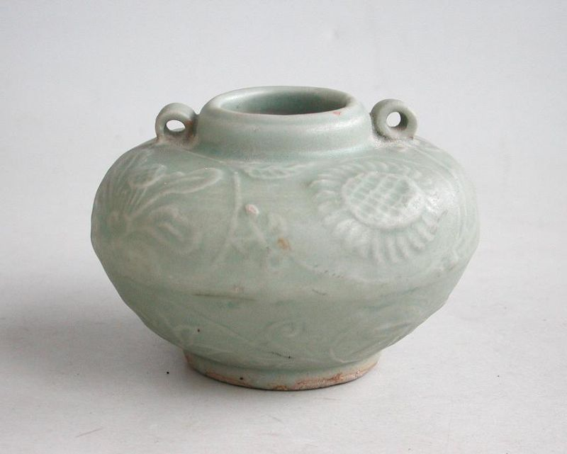 Fine Chinese Song / Yuan Dynasty Small Moulded Longquan Celadon Jar