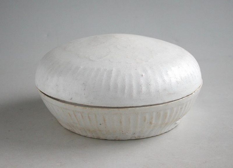 Large Chinese Song / Yuan Dynasty Moulded Dehua Qingbai Porcelain Box