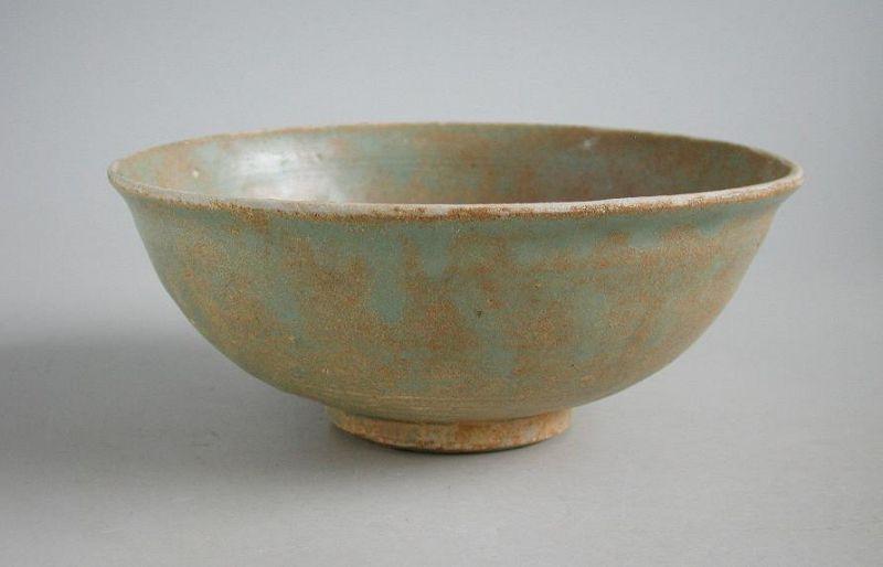 Chinese Song / Yuan Dynasty Longquan Celadon Bowl