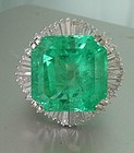 Magnificent 28.84ct F1 Colombia Emerald Platinum GIA