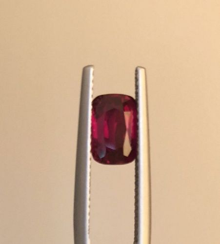 Magnificent Unheated Pigeon�s Blood Ruby 2.52ct & Lotus Certificate