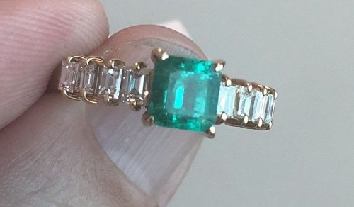 Beautiful 1.06ct Colombia Emerald & Diamond Ring In Platinum