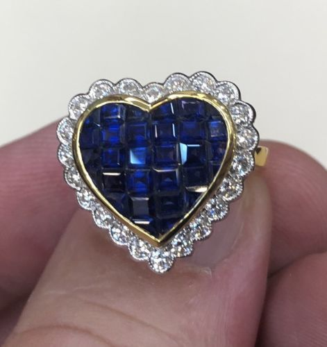 tunning Invisibly Set 4.20ct Blue Sapphire & Diamond Ring 18k Gold
