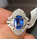 Delightful 2.89ct Blue Sapphire Platinum & Diamond Ring