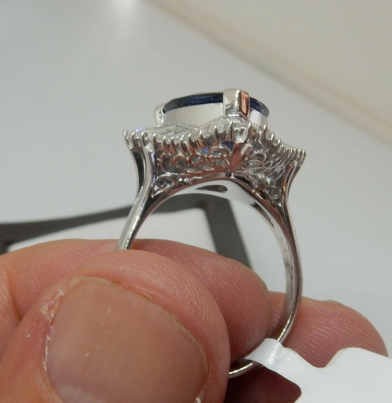 Absolutely Lovely 5.96ct Royal Blue Sapphire Platinum & Diamond Ring