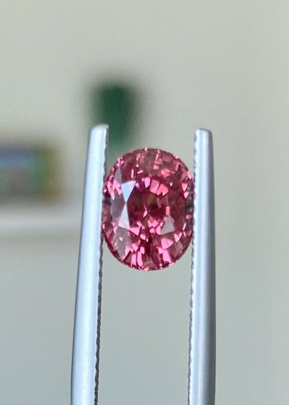 Exquisite 2.62ct Padparadcha Spinel