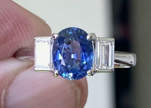 Beautiful Unheated 1.51ct Blue Sapphire 18k Gold & Diamond Ring & Cert