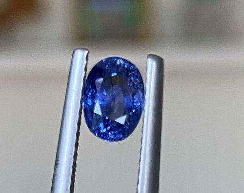 Superb Unheated 1.34ct Blue Sapphire & Certificate