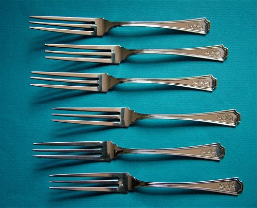 6 Durgin FAIRFAX strawberry forks