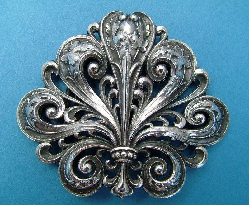 Gorham Art Nouveau belt buckle, Oak leaf motif