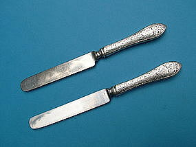 2 Whiting COLONIAL ENGRAVED B luncheon knives