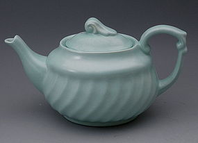 Metlox Yorkshire Poppytrail Blue Teapot California