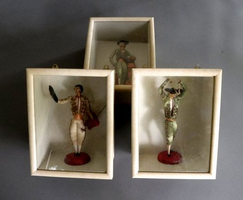 3 Vintage Spanish Matador Bullfighter Doll in Hanging Shadow Box