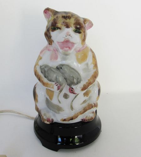 RARE Consolidated Bristol Glass Cat Holding Mice Lamp
