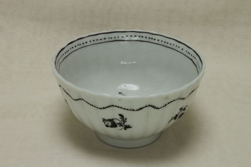 Caughley hand painted porcelain tea bowl