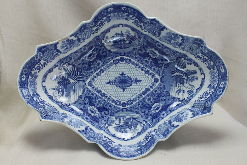 Spode blue and white comport
